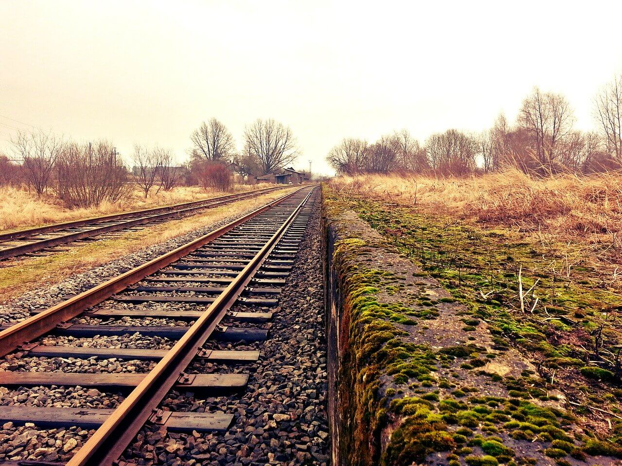railroad track dry lands